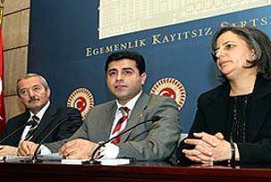 DTP'den Ergenekon savcılarına davet.15430