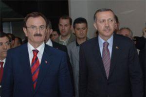 Hikmet Şahin AKP'yi bıraktı.8122