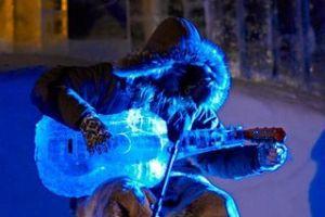 Dünyanın ilk buz müzik festivalinde.12873