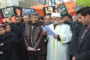 DTP bildirisi okuyan imam tutuklandı.15478