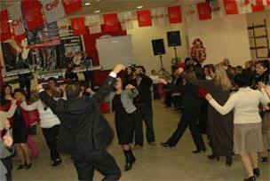 CHP'li kadınların keşkek eğlencesi.13256