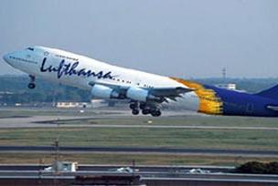 Uçak tek motorla İstanbul'a indi.9791