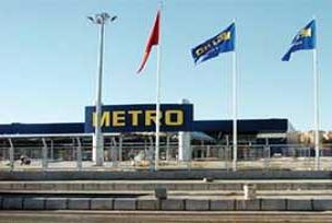 Alman devi Metro 15 bin �al��an�na k�yd�!.11520