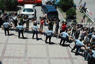 Özel harekatçı polisler adliyeye getirildi.17857
