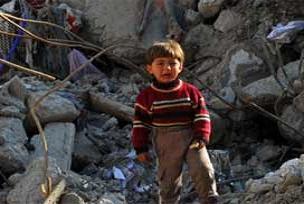 Gazze'de harabeler arasında yaşam.15093