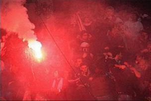 Hertha taraftarından ırkçı tezahürat.8952