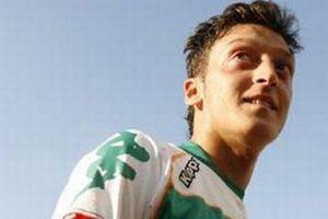Mesut Özil formasını seçti....8544