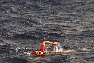 56 yaşındaki kadın Atlas Okyanusunu geçti.16094