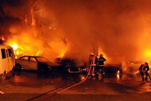 İstanbul'da 9 araç kundaklandı.9796