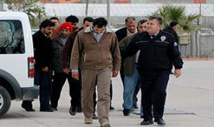 Ayvalık'ta 32 kaçak yakalandı.13500