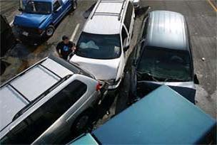 İzmir'de zincirleme kaza oldu.13790