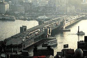 Galata Köprüsü trafiğe kapatılıyor.19790