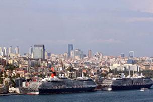 Arap turistler tatil için Türkiye'ye geliyor.11393