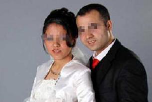 Evlendiği gün geri kaçtı!.7739