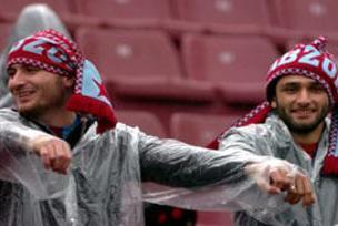 Trabzonspor'dan taraftarlara yağmurluk!.12378