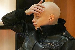 Reyting kanalları kanser kadının peşinde!.10553