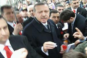 Erdoğan'dan israrlı para isteyen vatandaş.14166