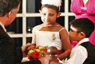 9 yaşındaki Jayla'nın son isteği evlenmek oldu.14190
