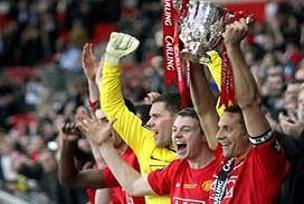 Manchester United ilk kupasını aldı.16406