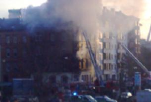 Köln'de tarihi arşiv binası çöktü.8086