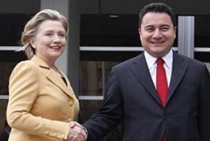 Hillary Clinton'dan Obama sürprizi.10482