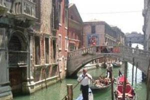 Aşıklar şehrine turist akın ediyor!.13533