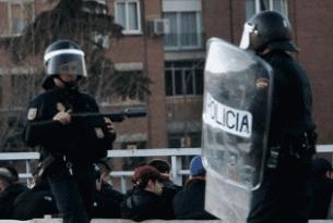�spanya'da polisle ��renciler �at��t�: 20 yaral�.11335