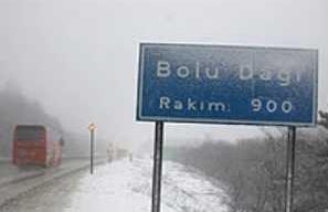 Bolu Dağı'nda sis ve sağanak yağış.7244