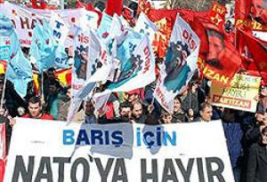 İstanbul'da NATO eylemİ: 4 gözaltı.23379