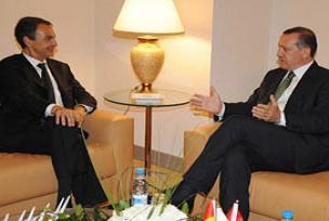 Erdoğan ve Zapatero 1 saat görüştü.11230