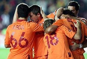 Galatasaray, Hollanda'ya uçtu.15478