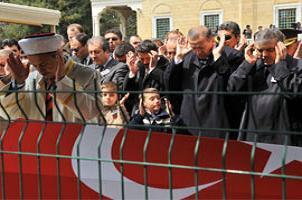 Şehit askerler dualarla uğurlandı.16380