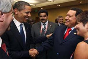Obama ve Chavez'den tarihi tokalaşma.11209