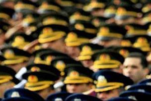 Genç teğmenlere 'kızlı kontrol' önerisi.14121