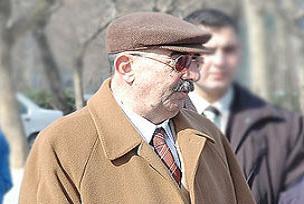 Menderes'i asan mahkeme için çalışmış.13578