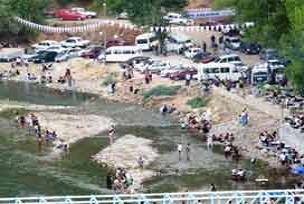Munzur Nehri'nde baraja karşı yürüdüler.21054