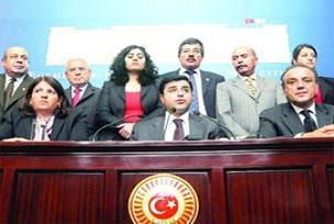 DTP, eyleme Türk'ten habersiz oturdu.13734