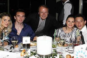 Beşiktaş'ta ailece 23 Nisan yemeği.15423