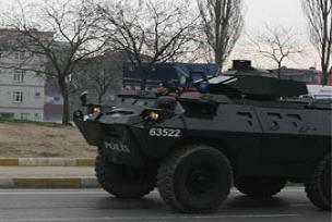 Polis panzeri devrildi: 1 �l�.13095
