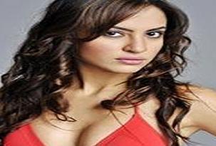 Miss Turkey'e katıldı işinden oldu.12568