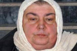 6 kez evlendi 5 eşi hayatını kaybetti.12324