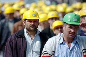 İşçi sendikaları zammı hiç beğenmedi.13789