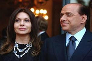 Berlusconi'ye eşinden boşanma davası.10519
