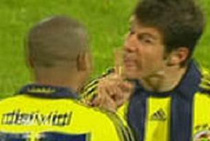 İki Fenerbahçeli birbirine girdi.9881