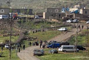 Bilge köyünden 13 aile daha göçtü.16835