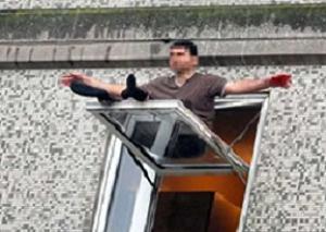 Bu adam camda ne yapıyor?.15744