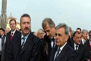 İzmir'de yine protokol krizi yaşandı.9918