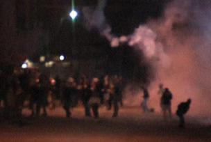 Hakkari'de izinsiz gösteriye polis müdahalesi.7695
