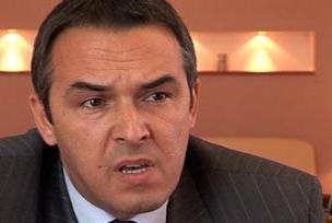 Bosna-Hersek ba�bakan� istifa etti.8842