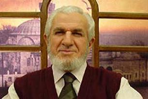 Prof. Cevat Akşit kalp krizi geçirdi.12253